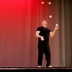 Jason Garfield master juggler