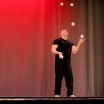 Jason Garfield master juggler
